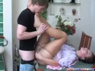 Nga mẹ và con trai pantyhose fetish giới tính