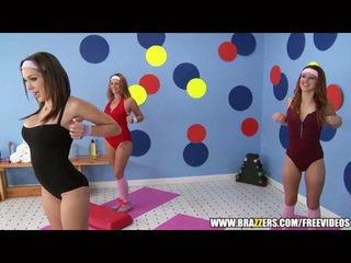 Aerobics instructor loves stor pikk