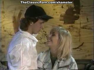 Julianne james, tracey adams, aja in klassiek seks video-