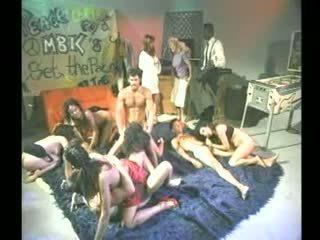 Pesta seks berkumpulan termasuk sean michaels, tianna taylor, nina hartley