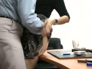 Segretaria ottenere scopata in ufficio