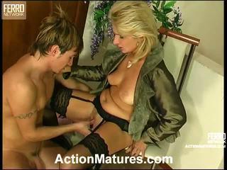 Agatha rolf e prapë mami në veprim