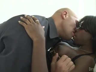Zwart ts bambi prescott anaal penetration