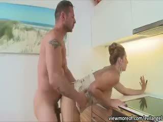 Karstās un seksuālā daria glower getting grūti assfucked un sticky