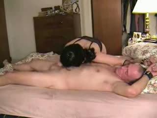 सेक्स पॉर्न & आकर्षित मिस्ट्रस मॅरीड वाइफ luvs को लेना नियंत्रण