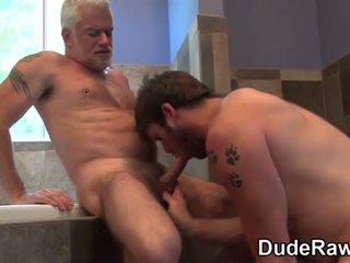 User_Uploaded_dudesraw__111_.mp4