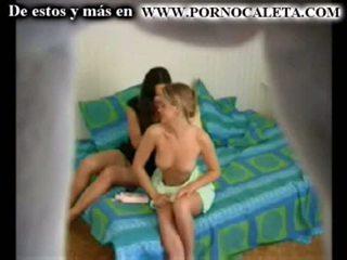 Camara oculta une mi hermana y su amiga parte 1 wwwpornocal