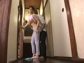 日本語 角質 男孩 attacked 他的 繼母 視頻