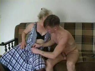 Sexy gjyshja lena dhe alex
