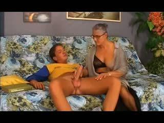 Starý babka takes to v the zadok, zadarmo anál porno 12
