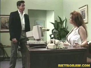 Infermiera banged onto suo scrivania