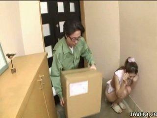 Сладъл японки тийн принудителен в духане