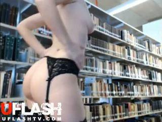 나체상 에 공공의 도서관 아마추어 금발의 비탄 웹캠 flashing exhibitionist