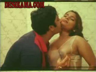Mallu , tamil סקסי שחקנית kumtaj רחיצה