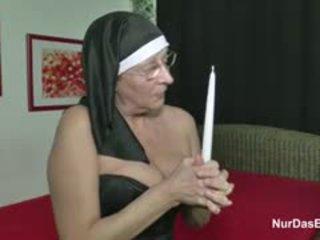 Vācieši vecmāmiņa mammīte padarīt porno kastings par nauda par baznīca