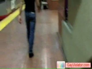 Homem receives fodida em metro por gayviolator