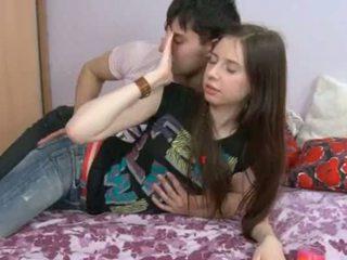 Ini 18yo gadis having air mani di dia hole