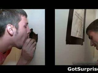 Geil homo dude blows penis zoals een pro