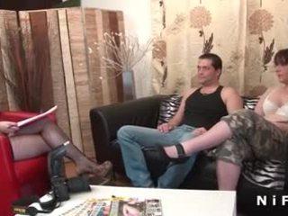 Ερασιτεχνικό γαλλικό ζευγάρι doing πρωκτικό σεξ στο candice πορνό κάστινγκ