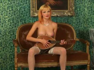 Blondine virgin strips