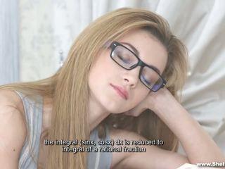 Ulat buku seks mimpi