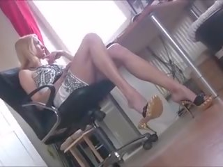 Perfect Office Girl Dangling Her Sexy Mules: Free Porn b4
