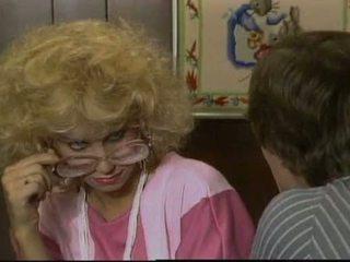 Gold diggers (1985) - miglains regan, zaķis bleu, jessica wylde