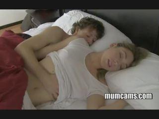 Gjumë qirje mami