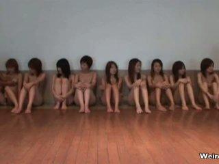 Two klein japanisch teen mädchen im ein nackt part4