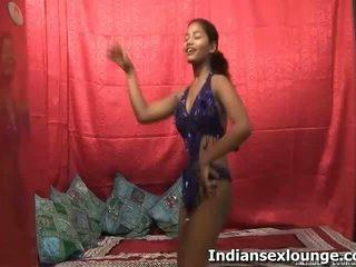 Vikki इंडियन सेक्स साथ anjali