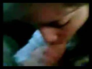 Argentijns meisje zuigen in auto