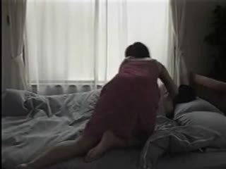 اليابانية امرأة تعري و having جنس في ال قاع
