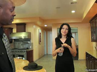 Zoey holloway quente milf does inter-racial anal