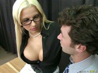 Cô took cô ấy công việc đến tìm smut boners