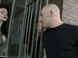 Aletta ocean getting double knullet i fengsel