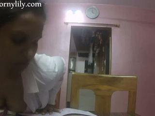 Slutty indian secretara gets excitat în the birou