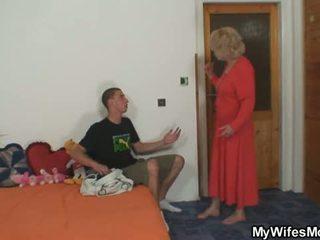 Vrouw finds hem overspel en gets insane