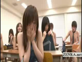 Subtitles two jap szkoła dziewczyny rozbieranie nagi w klasa