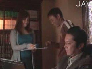 realita, japonec, velká prsa