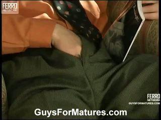 порно дівчина і чоловіків у ліжку, porn in and out action, річний молодий секс