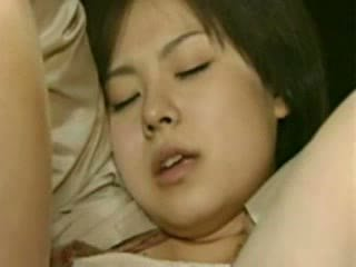 Mama a dcéra going trough horror - šialené japonské hovno video
