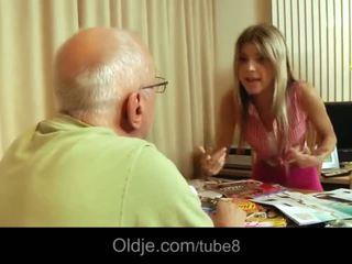 Vecs vīrietis licking jauns vāvere no gina gerson - porno video 061