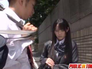 An orgie breaks uit op een bus met schoolmeisje mana katase