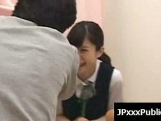 Sexy japans tieners neuken in publiek places 11