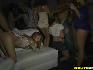 hardcore sex, ryhmäseksiä, tanssi