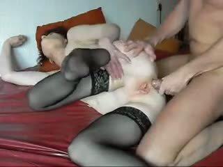 Guy e feia vovó primeiro anal