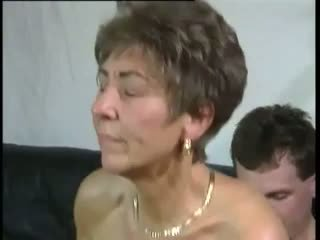Tante: nemokamai senelė & senas & jaunas porno video
