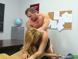 Luokkahuone porno