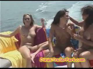 boot, yacht, lesbisch