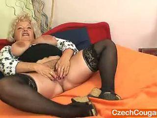 Big-breasted furry vagina grootmoeder